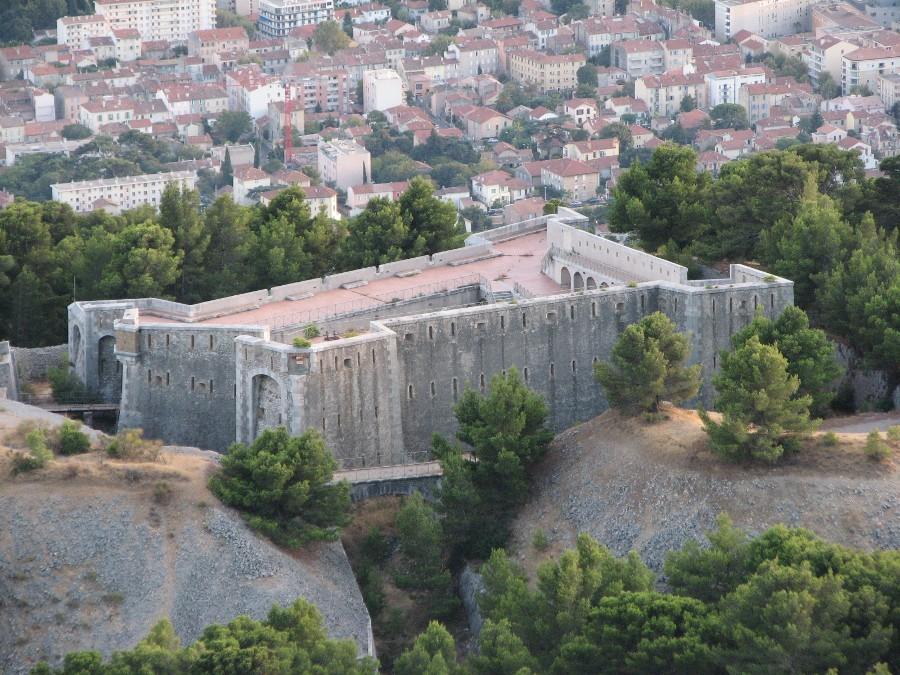 Fortification vendue à Toulon FortFaron2
