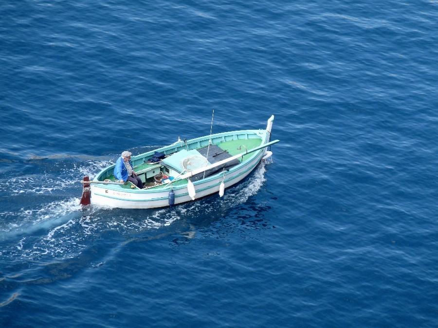 bateau de peche mediterranee